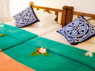 Shared Room at Flame Tree Cottages Bed & Breakfast