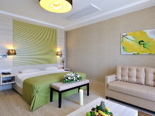 Junior Suite at Sianji Well-Being Resort
